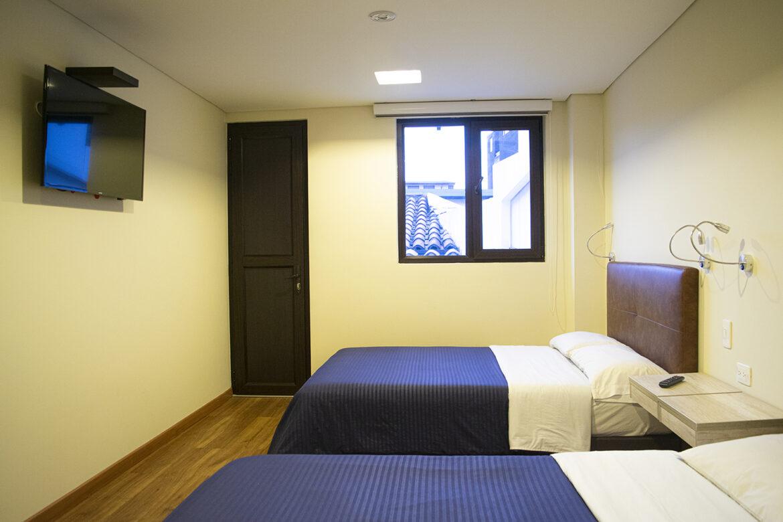 Habitación twin con baño privado